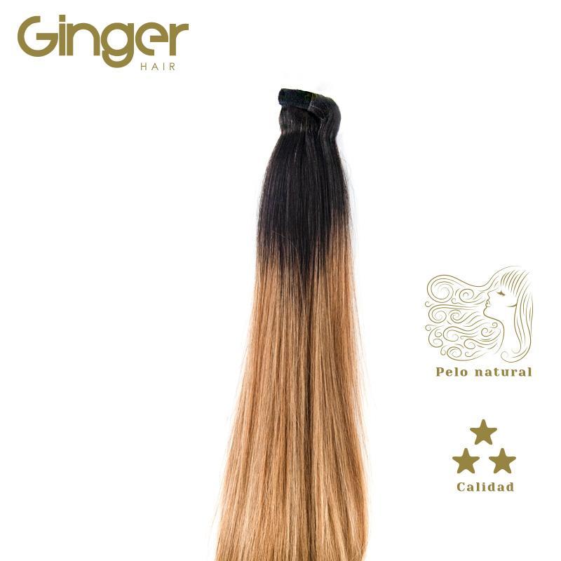 Detalle de la caída del cabello de la coleta postiza californiana de Ginger