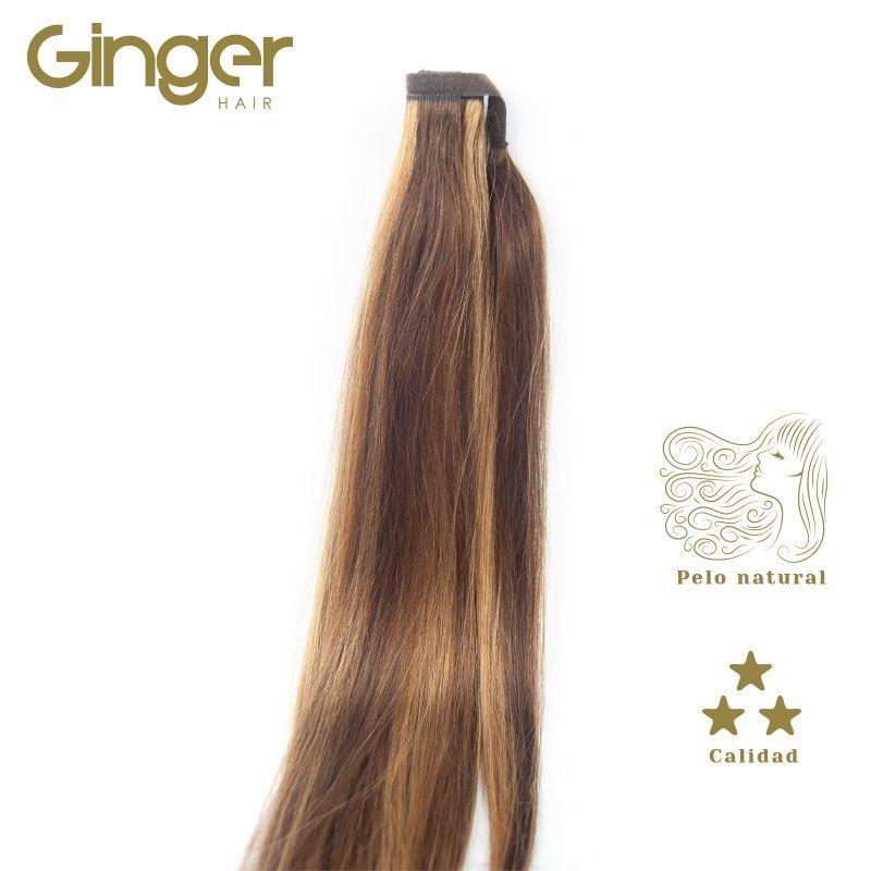 Detalle y caída de la coleta postiza de Ginger