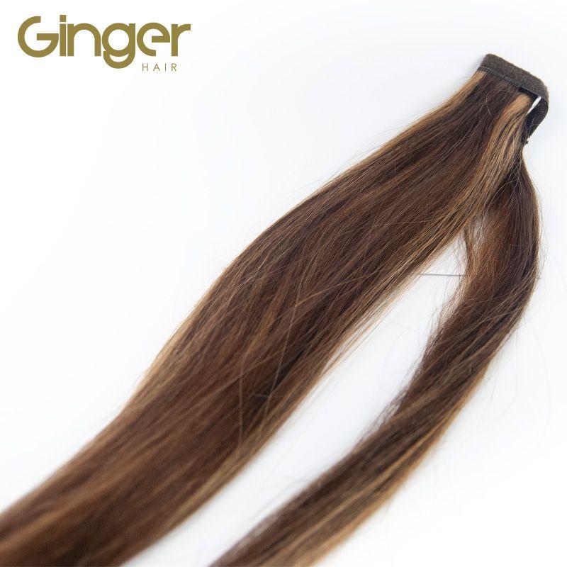 Detalle de la caída del cabello de la coleta postiza de Ginger