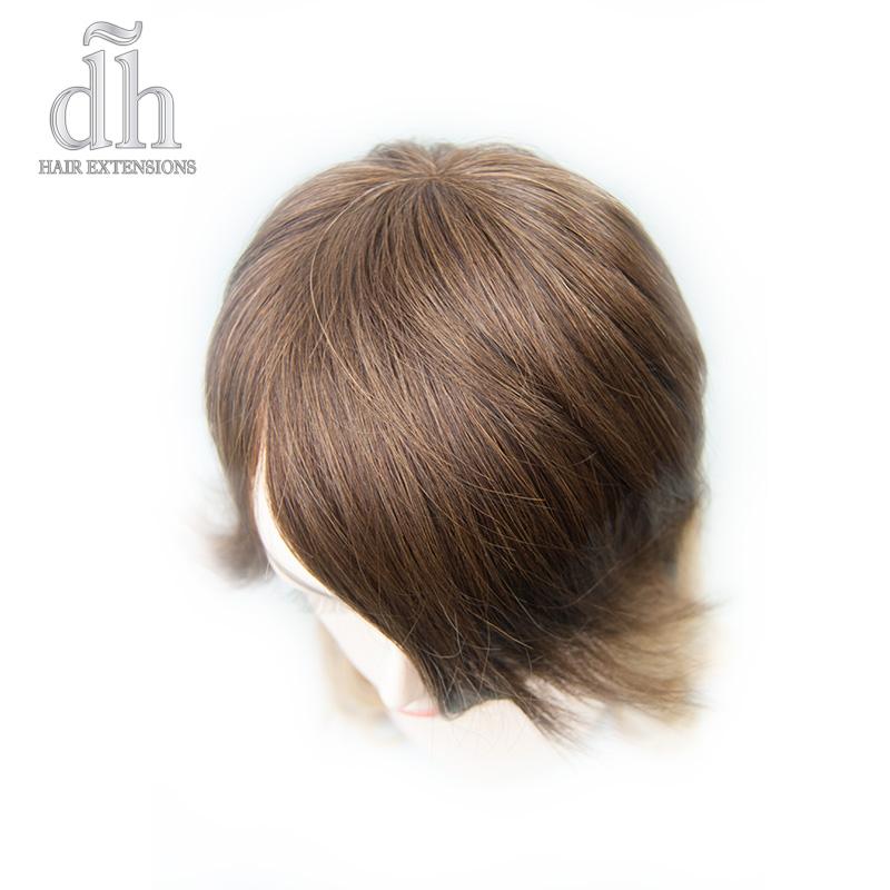 Detalle de la coronilla del flequillo postizo remy de DH Hair Extensions